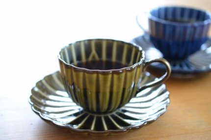カネコ小兵「ぎやまん陶」のコーヒーカップで飲むコーヒーは格別!