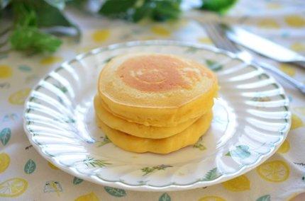 リコッタチーズのパンケーキ。米粉で作るとふんわり&もっちり超旨!